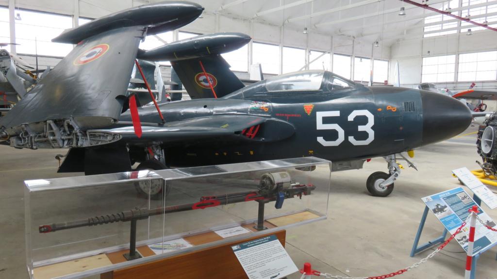 [ Les Musées en rapport avec la Marine ] Musée de l'Aeronautique Navale de Rochefort - Page 15 Img_2213