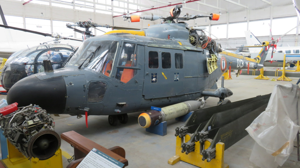 [ Les Musées en rapport avec la Marine ] Musée de l'Aeronautique Navale de Rochefort - Page 15 Lynx_e10