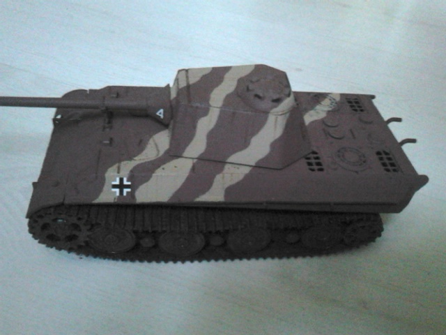 [AMUSING HOBBY] Panzerkampfwagen V PANTHER II rRéf 35A040  Dsc_6511