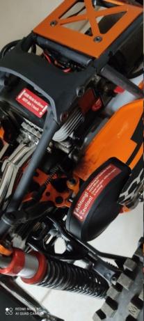 Traces noires sur l'arrière d'une voiture RC 1/5 Img_2012