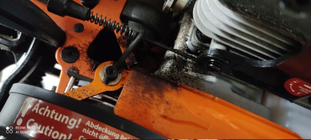 Traces noires sur l'arrière d'une voiture RC 1/5 Img_2013