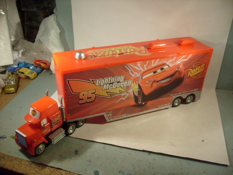 mes autres Cars 1 , 2 , 3 et Planes !!! toutes marques et matieres S7306017