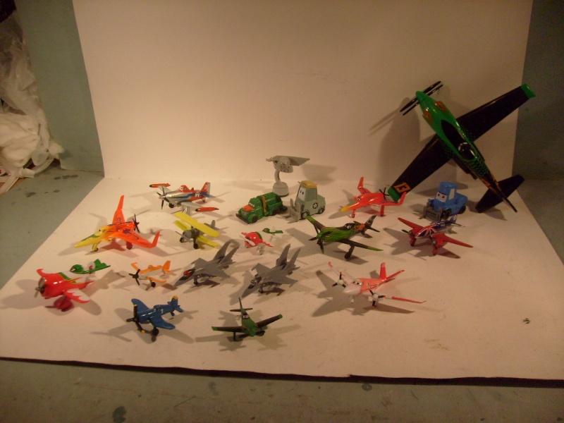 mes autres Cars 1 , 2 , 3 et Planes !!! toutes marques et matieres S7306061