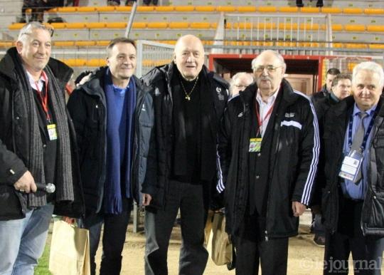 Les invités célèbres au stade de Bram De-gau10