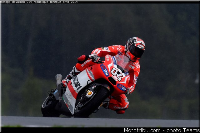 MOTO GP les photos - Page 10 Motogp29