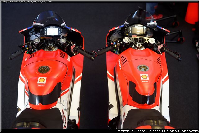MOTO GP les photos - Page 11 Motogp38