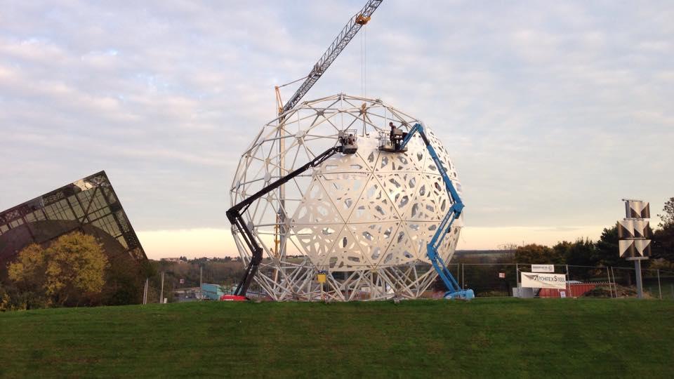 Boule du Futuroscope : démontage, reconstruction, scénographie (2012-2014) - Page 19 Boule_11