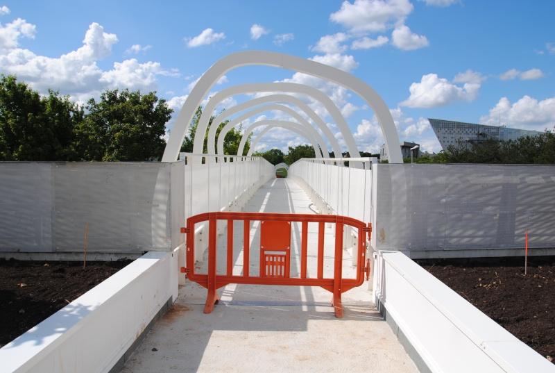 Nouvelle passerelle d'accès Parc - Hôtel du Futuroscope - Page 3 Dsc_0118