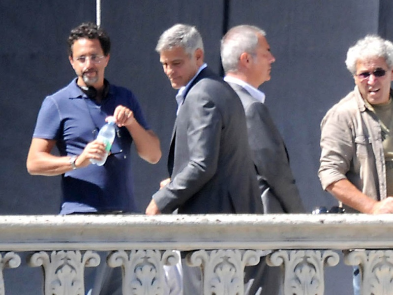 George Clooney and JEAN DUJARDIN doing a new NESPRESSO SPOT - Page 2 Amal-g12