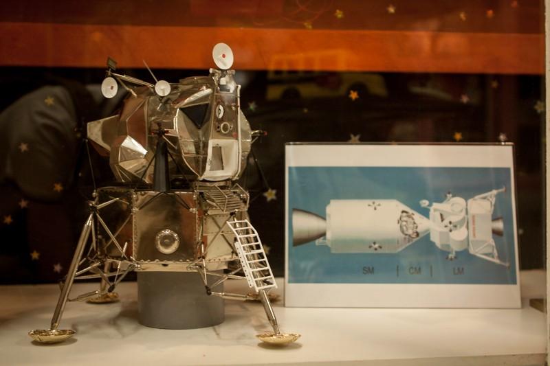 Superbe maquette Apollo + vieux jouets des années 60 _mg_3810