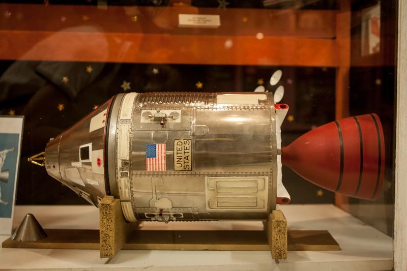 Superbe maquette Apollo + vieux jouets des années 60 _mg_3812