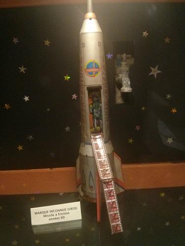 Superbe maquette Apollo + vieux jouets des années 60 Img_2012