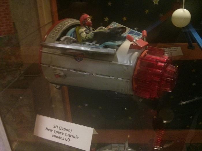Superbe maquette Apollo + vieux jouets des années 60 Img_2014