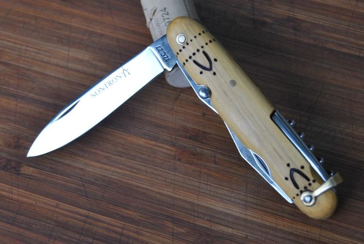 Couteaux gaulois - Page 2 Nontro11