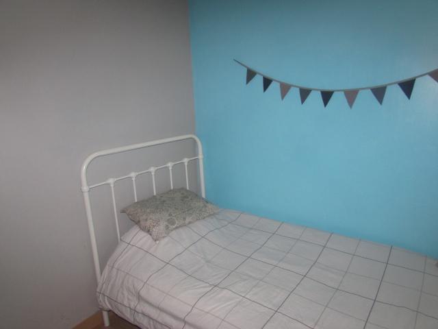 chambre garçon (bleu turquoise/taupe)  Img_4011