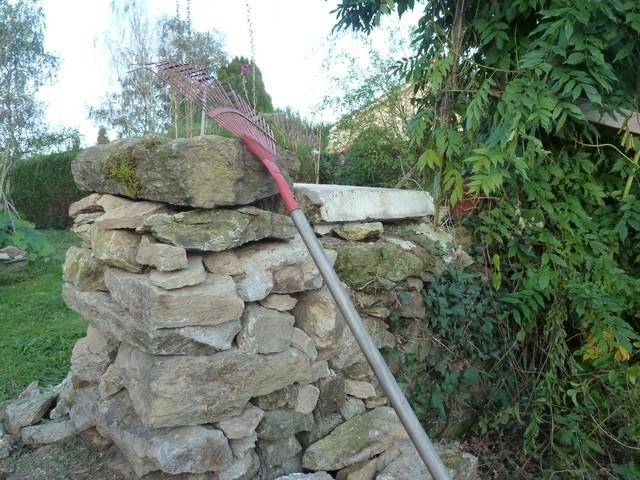 42 - La pierre, le bois, le fer... au jardin...  Le vote 6-p10610