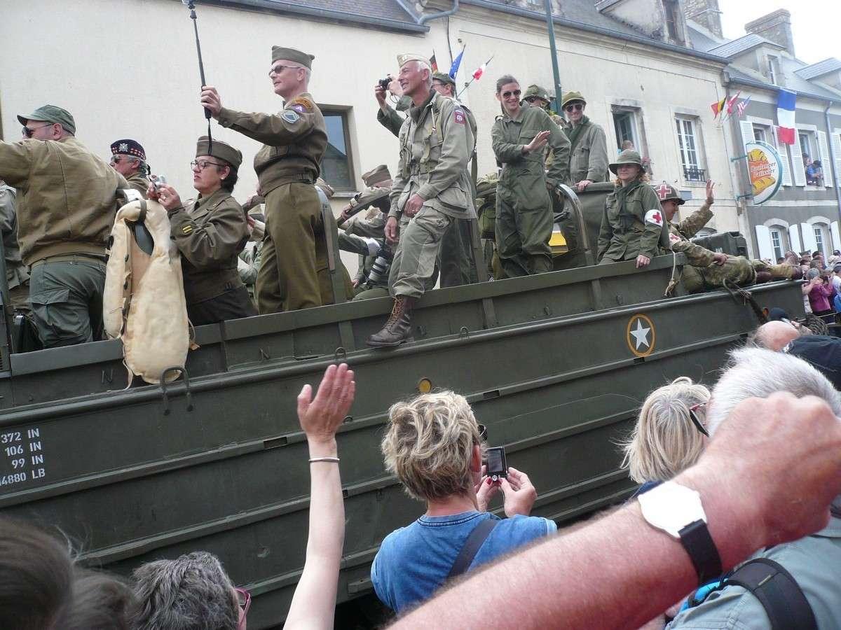 [Histoires Histoire] la commémoration des 70 ans du Débarquement - Page 2 P1120023