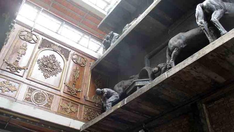 De qui sont ces chevaux de bronze? A-img_19
