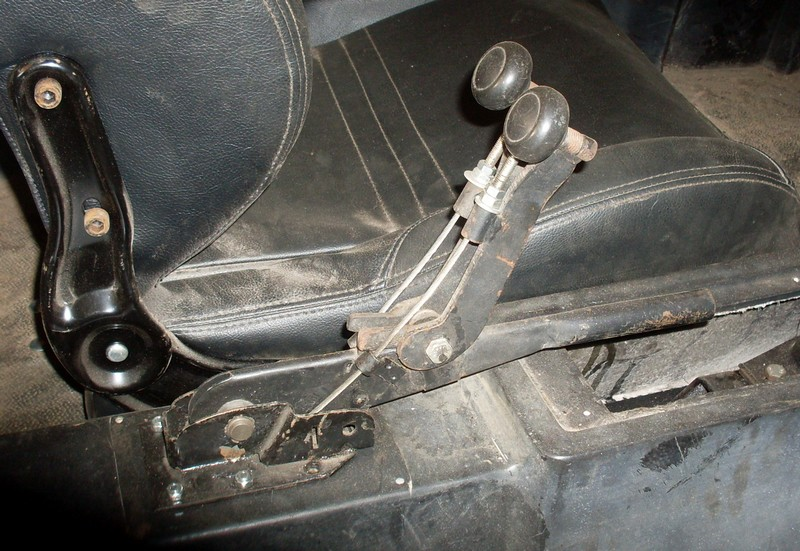 frein à main separés //Raccourcir les câbles Sdc10010