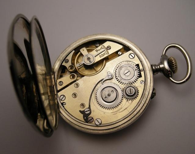Guide richement illustré : les montres de poche courantes Dscn9718