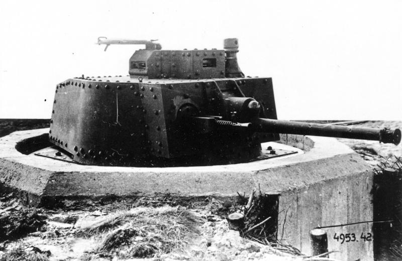 Panzerstellung Pz 38 (t) Pz38-110
