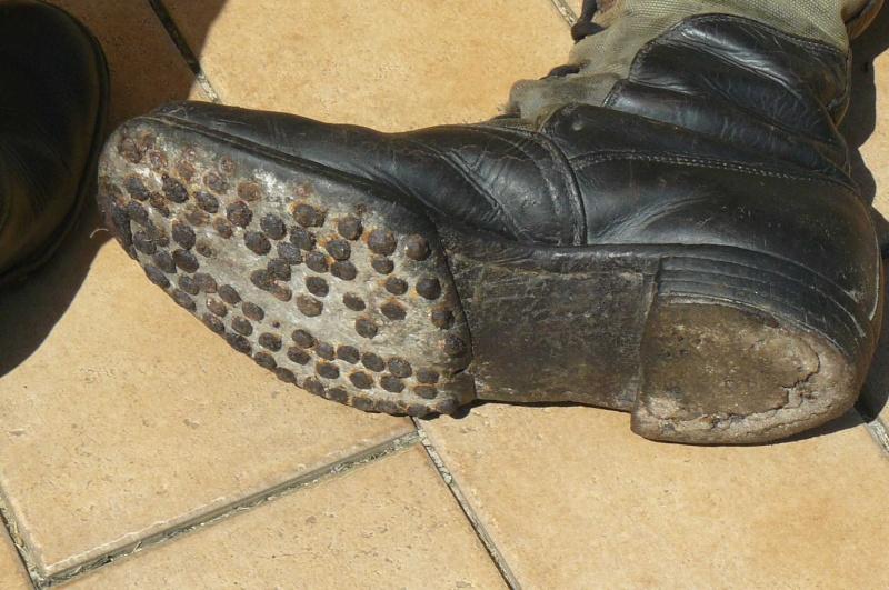 Bottes Afrika korps trouvées dans l'Ain !!! Dessou11