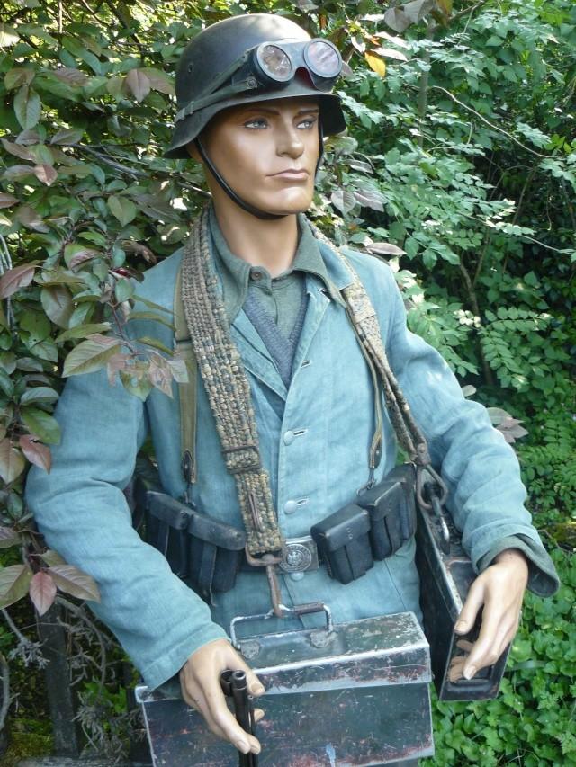 Le tenue Drillich (les treillis allemands) Porte_11