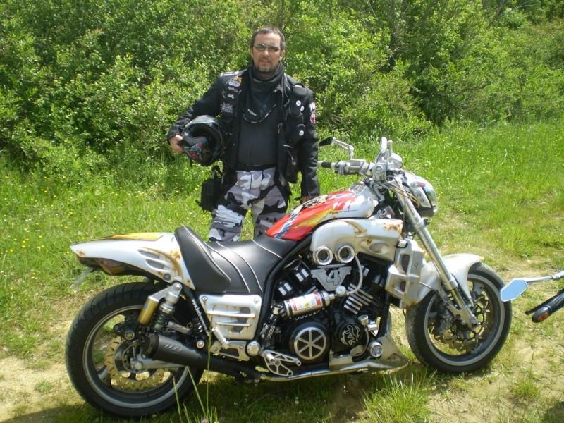 Un KAWA en TERRASSE - vous roulez avec quel équipement en moto? P1010010