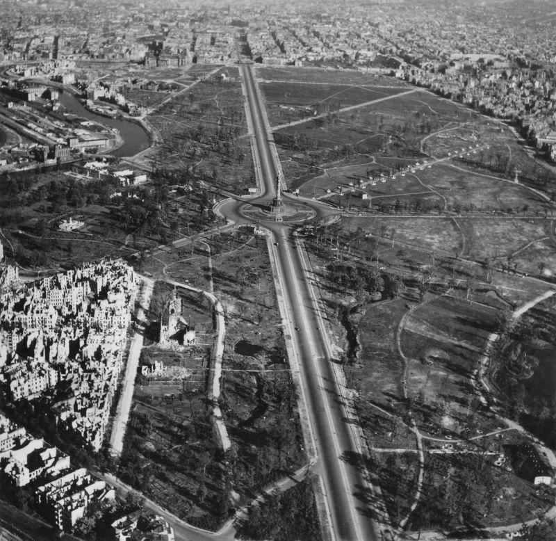 Avril 1945 : La bataille de Berlin - Page 3 Tierga10
