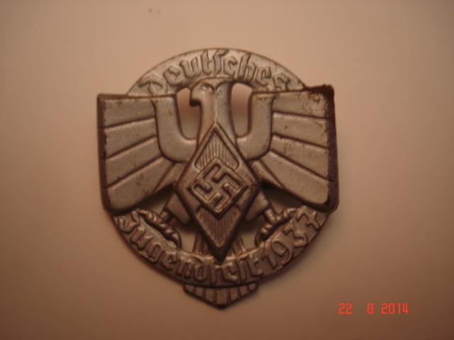 Insigne jungendfest HJ plus politique que militaire Dsc09229