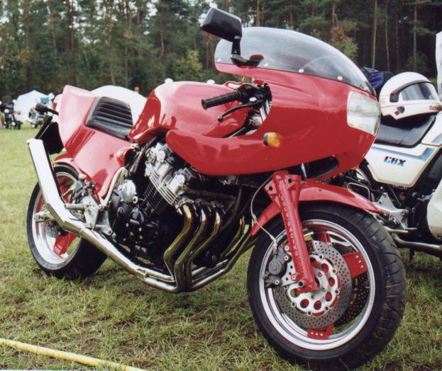 Nouveau Café-Racer à moteur 1000 CBX Egli_c10