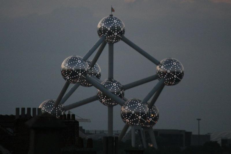 Bruxelles. Atomni10