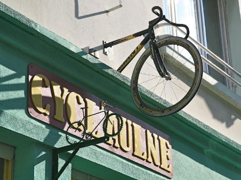 En cette période de tour de France.... Cyclau10