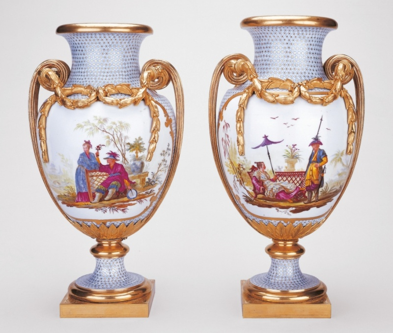 tabouret aumont - La Chine à Versailles, art & diplomatie au XVIIIe siècle - Page 3 Vase_d10