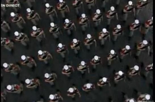 14 juillet 2010  PARIS  defilé militaire video legion etrangere 1RE 2 REG Loi10
