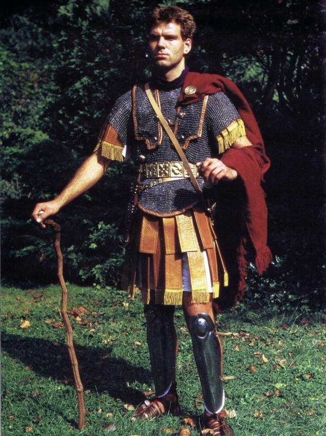 Roman Legionary terminé !!!! Cape_r10