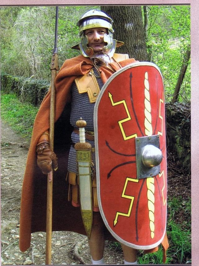 Roman Legionary terminé !!!! Cape_r12