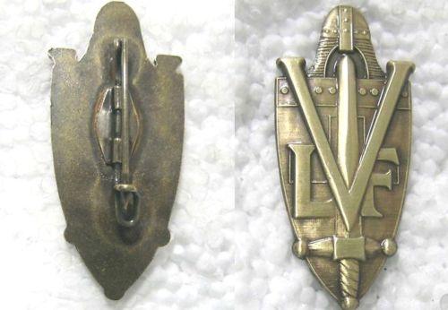 L'insigne de volontaire dans la LVF Kgrhqz11