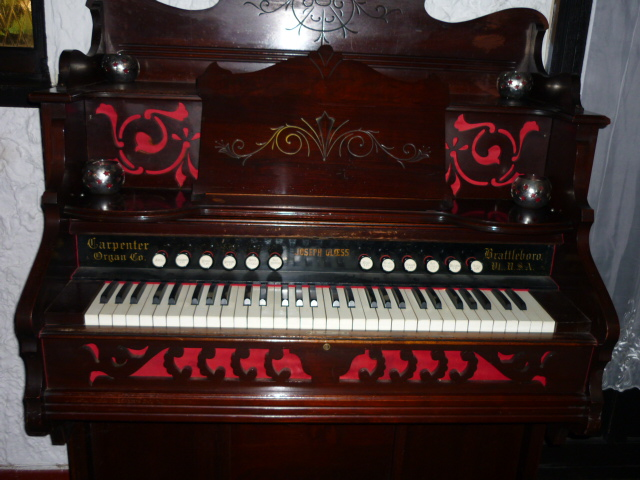 Reed Organ Joseph Gloess ... P1020211
