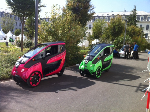 Toyota i-Road : mi Piaggio MP3, mi Renault Twizy Photo_11