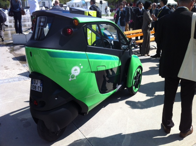 Toyota i-Road : mi Piaggio MP3, mi Renault Twizy Photo_23