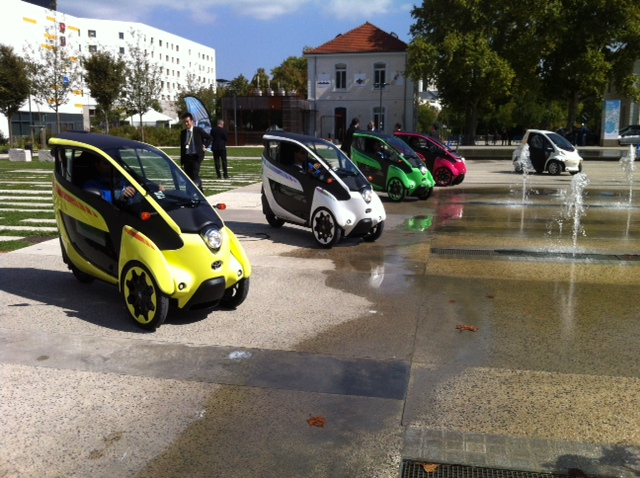 Toyota i-Road : mi Piaggio MP3, mi Renault Twizy Photo_25