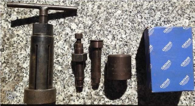 Rare Ancien materiel de concession: Extracteur de roulements 2014-011