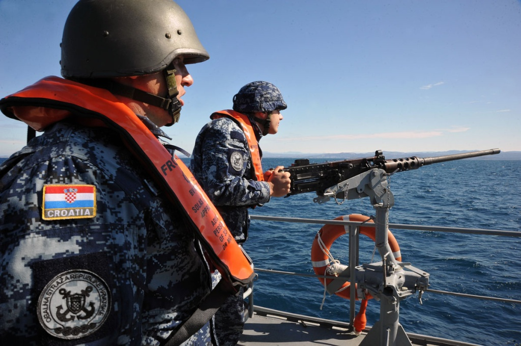 navy pattern Croati10