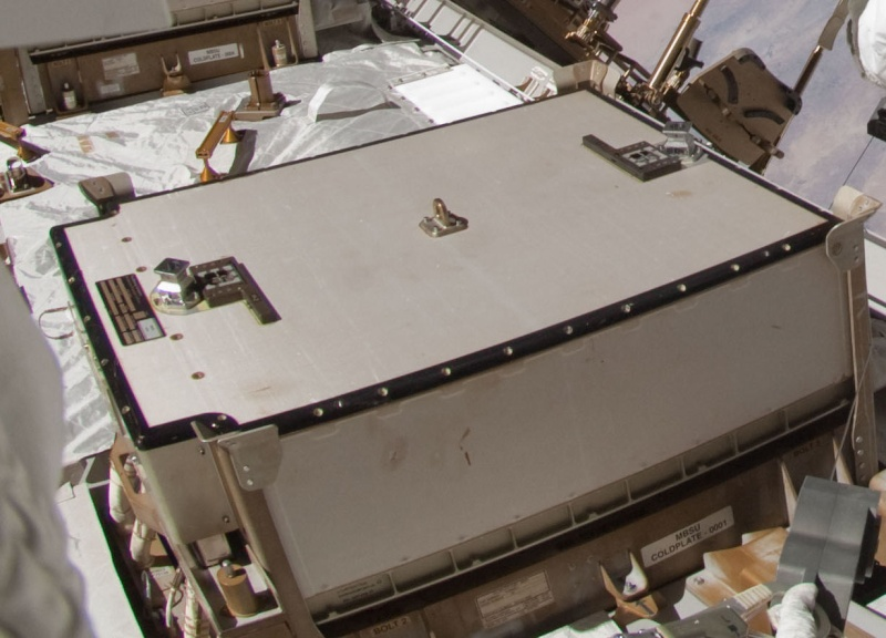 ISS: US-EVA#19 - Opération de secours sur MBSU-1 (05.09.12) Mbsu_e11