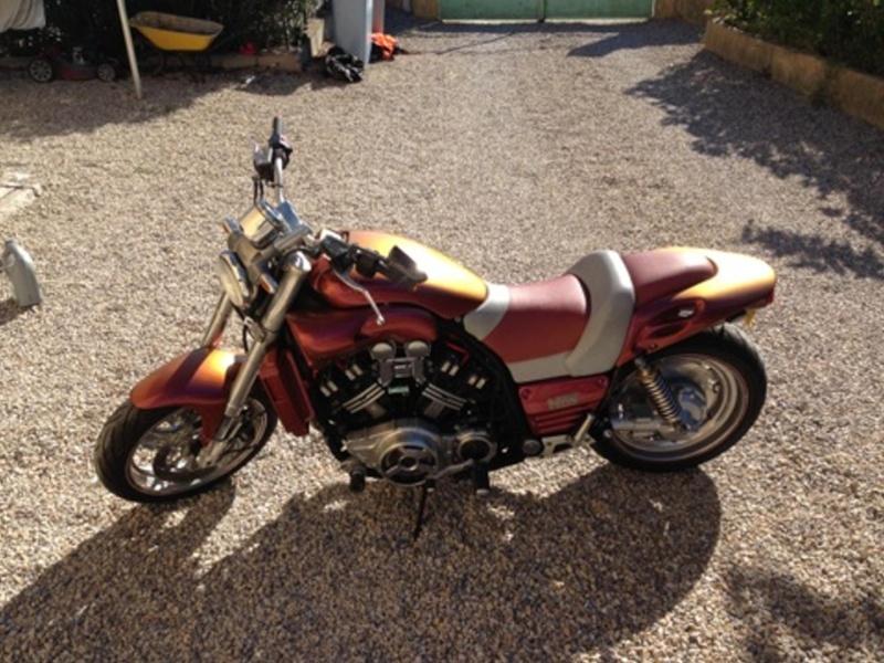 Et voila le Mythe, est dans mon garage :-) Img_0915