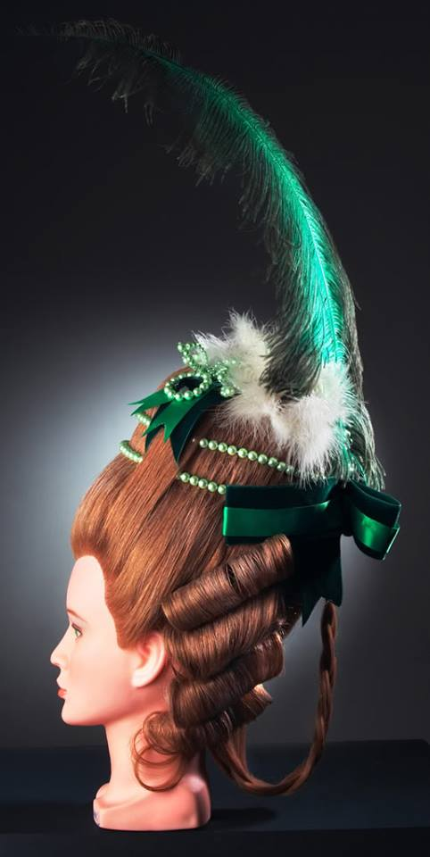 Les coiffures au XVIIIe siècle  Coiffu15