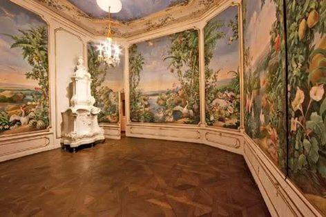 Le palais de Schönbrunn - Page 3 Hofbur10