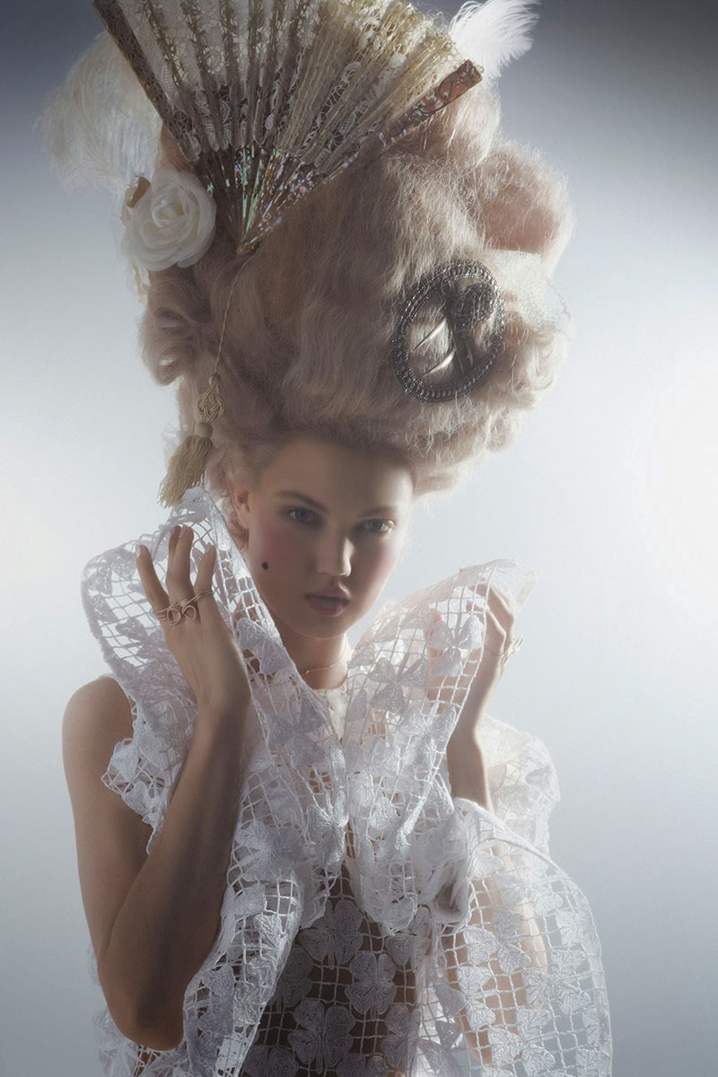 mode - Marie-Antoinette muse de la Mode  - Page 3 Lindse10