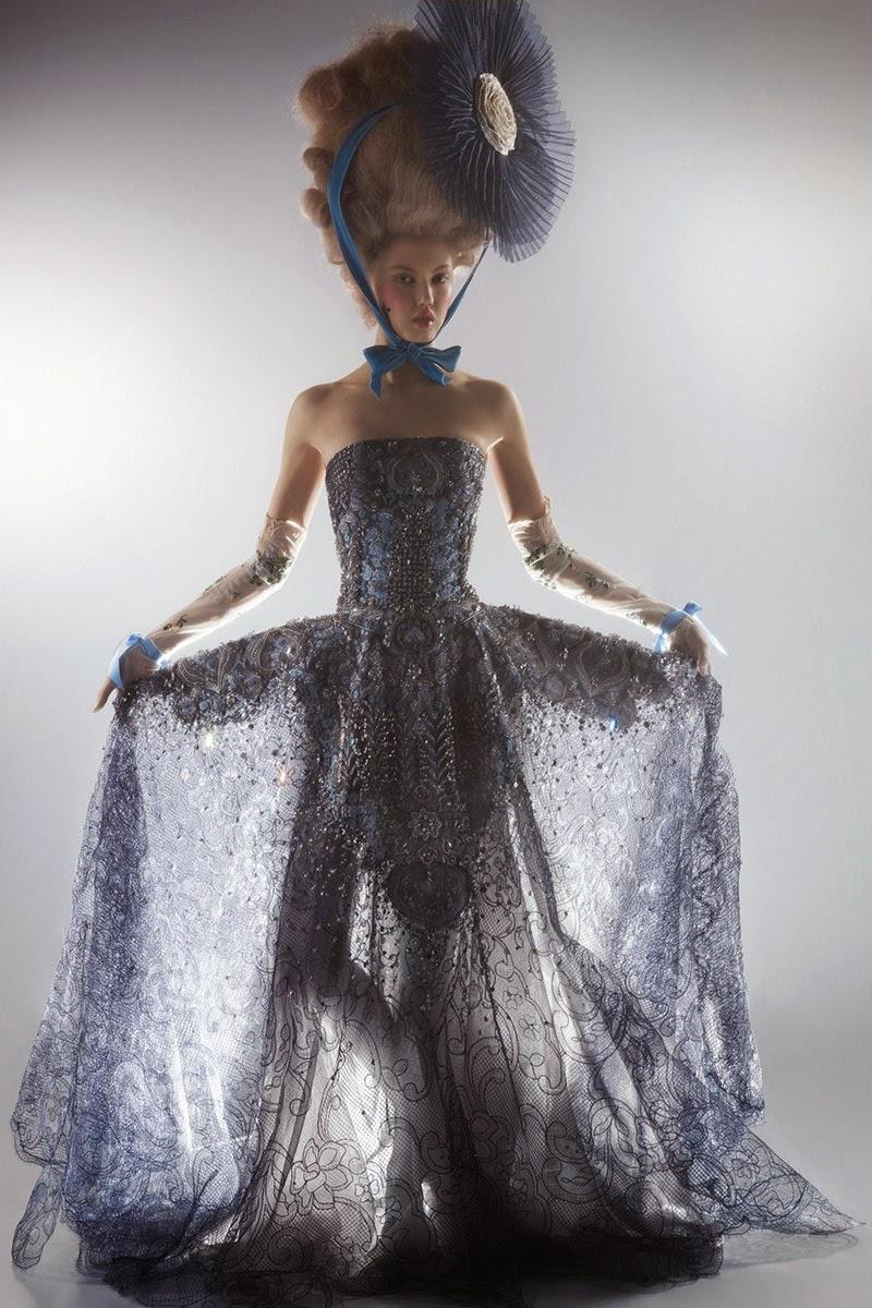 mode - Marie-Antoinette muse de la Mode  - Page 3 Lindse12